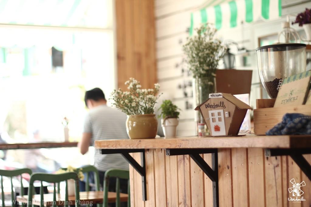 Không gian lãng mạn bên trong Windmills Coffee